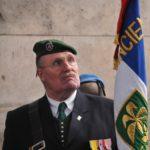 porte-drapeau-de-lamicale-des-anciens-de-la-division-daguet