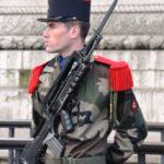 soldat-de-la-garde-dhonneur